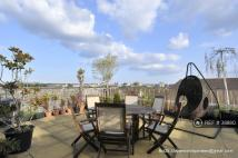 2 bedroom Flat to rent in Sherwood Gardens, London...