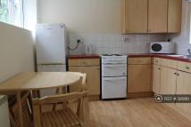 Flat to rent in Sherbourne Road...