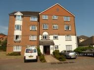 1 bedroom Flat to rent in St Annes Rise, Redhill...