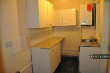 Terraced home to rent in Piccadilly Road, Burnley...
