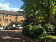 2 bed Flat in Stags Way, Osterley, TW7