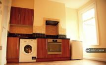 Studio apartment in West Hendon Broadw...