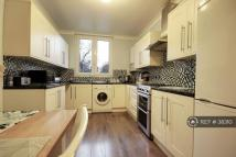 3 bedroom Flat in Warwick Grove, London, E5
