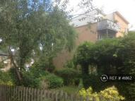 Flat to rent in Lordship Grove, London...