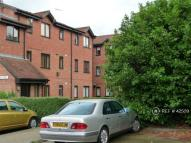 1 bedroom Flat in Samuel Close, London...