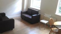 2 bed Flat to rent in Plough Way, London, SE16