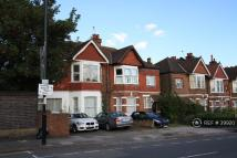 Flat to rent in Twyford Avenue, London...
