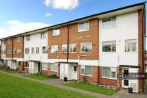 Flat to rent in Malling House, Beckenham...