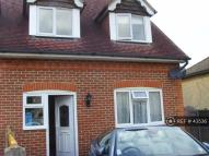 3 bed semi detached property to rent in Turnpike Road, Highworth...