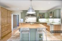 4 bed Detached house in Church Lane, Leicester...