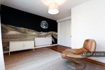 2 bedroom Flat to rent in Stockwell Road, London...