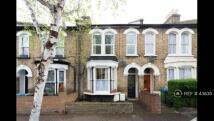 2 bedroom Flat in Hazelwood Road, London...