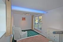 Studio apartment in Pearson Park House, Hull...
