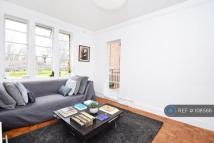Flat to rent in Riversdale Road, London...