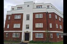 Penthouse in Hale Lane, London, NW7