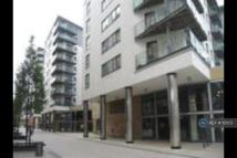 1 bed Flat to rent in Crozier House, Leeds...