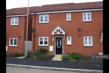 3 bedroom semi detached house to rent in Savannah Drive...
