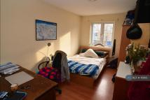 4 bed Terraced house to rent in Clark Street, London, E1