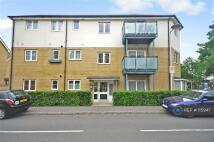 2 bedroom Flat to rent in Clark Grove, Essex, IG3
