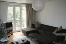 2 bedroom Flat to rent in Garden Row, London, SE1
