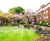 Flat to rent in Brent Street, London, NW4