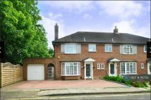 semi detached house to rent in The Sigers, Pinner, HA5