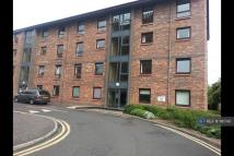 4 bed Flat in Hermand Terrace...