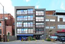 2 bedroom Flat in Shackelwell Lane, London...