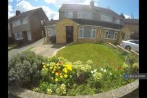 4 bed semi detached house to rent in Taplow, Maidenhead, SL6