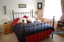 Maisonette to rent in Fieldview, London, SW18