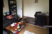 2 bed Flat to rent in Burghfied Road, Reading...