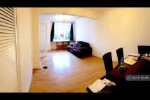 2 bed Terraced house in Padcroft Road...