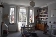 Flat to rent in Brondesbury Road, London...