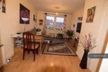 Flat to rent in Loganlee Terrace, Dundee...