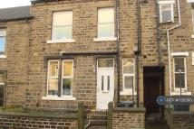 Terraced home to rent in Crosland Street...