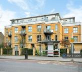 Flat to rent in Plantation Close, London...