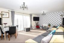 Flat to rent in Martin Close,  Uxbridge...