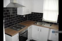 Flat to rent in Kremlin Drive, Liverpool...