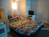 1 bed Flat to rent in Ledgard Bridge Mill...