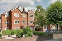 Flat to rent in Station Road, Harrow, HA1