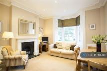 2 bed Flat to rent in Ramsden Road, London...