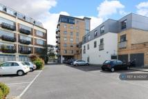 2 bedroom Flat to rent in Peckham Grove, London...