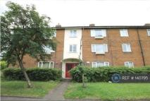 3 bedroom Flat to rent in Kenton...