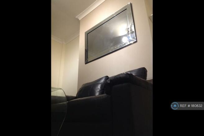 Livingroom Pic 1