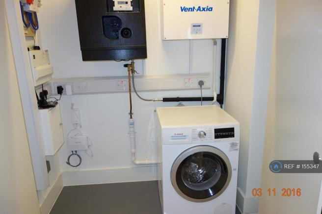 Washer And Dryer In Utility (Bosch)