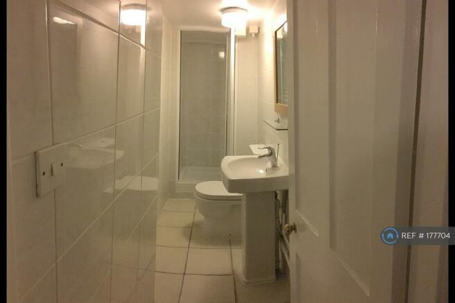 Toilet / Shower 2