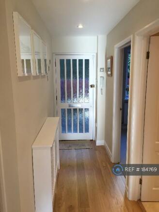 Hallway To Front Door (2)