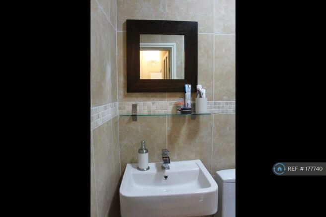 Bathroom (Sink)