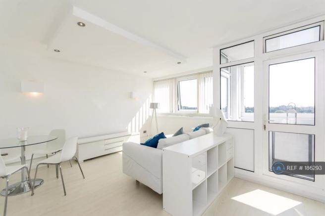 Sunny Airy Modern Large Flat Immaculate