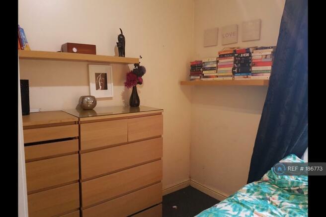 Bedroom 1 - Picture 2